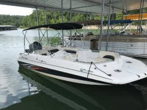 20' Hurricane Deck Boat